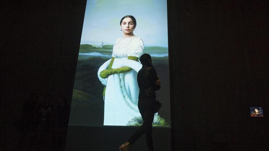 Bob Wilson muestra en el Louvre su arte y el de artistas como Lady Gaga