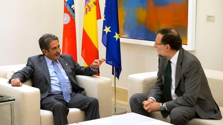"""Revilla dice que no dudaría en irse si fuera necesario para que el PRC gobernara e insta a Rajoy a """"meditar"""""""