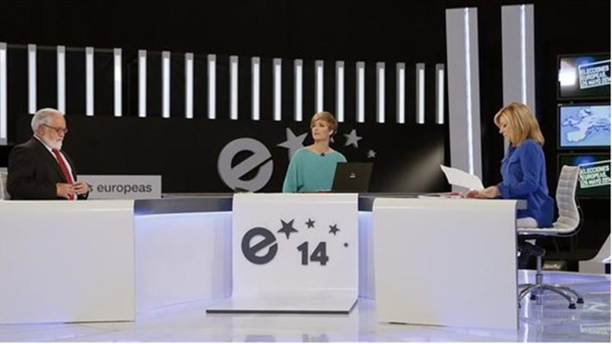 La candidata socialista, Elena Valenciano, y el candidato popular, Miguel Arias Cañete, en el debate electoral que emitió TVE el pasado 15 de mayo