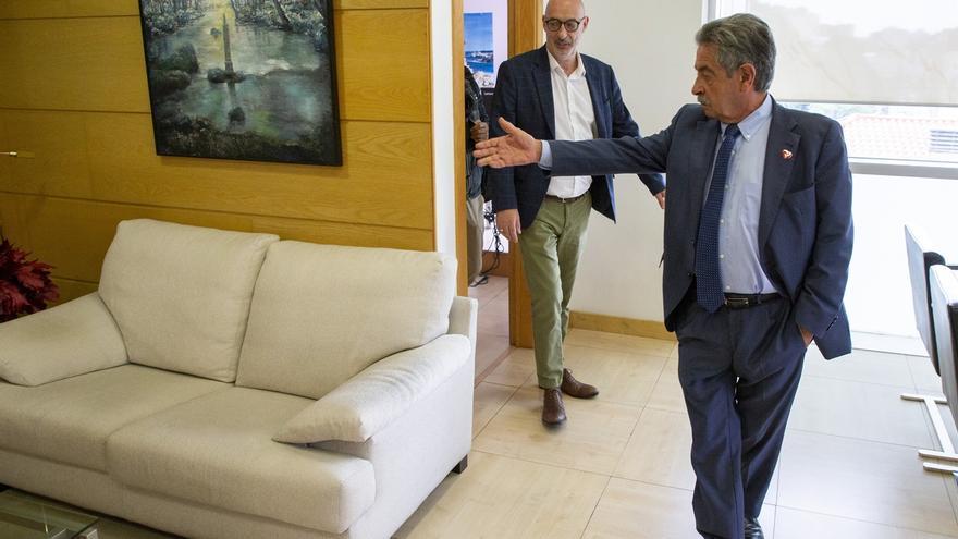 """Revilla y Álvarez se comprometen a """"ir de la mano"""" en los asuntos de """"interés general"""" para Cantabria"""