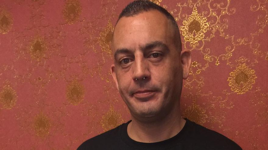 José Manuel ha sido multado con la 'Ley Mordaza' por difundir un vídeo de una actuación policial