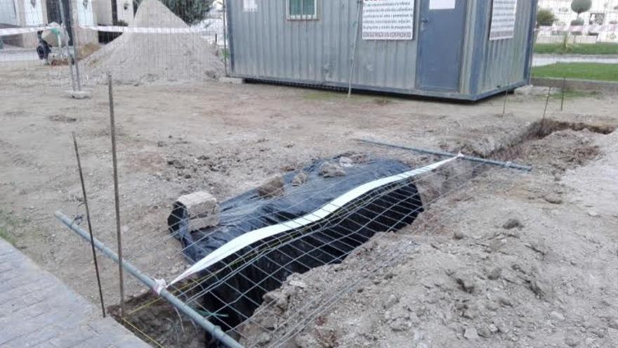 La Junta aclara que el ayuntamiento, como responsable de las obras en el cementerio de Fuente del Maestre, no tiene la obligación de realizar catas arqueológicas previas / Junta