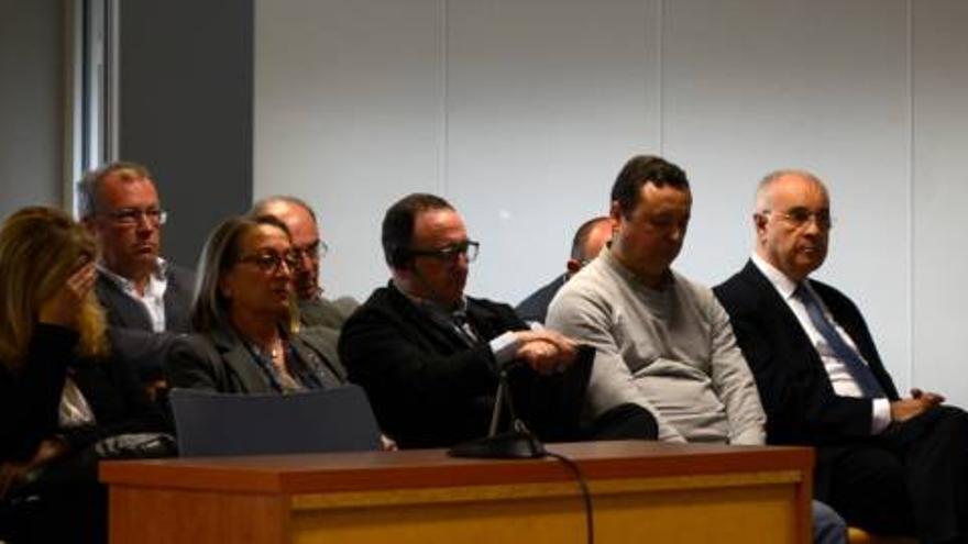 Tina Sanjuán, Marc Llinares, Augusto Tauroni y Rafael Blasco, en el banquillo de los acusados.