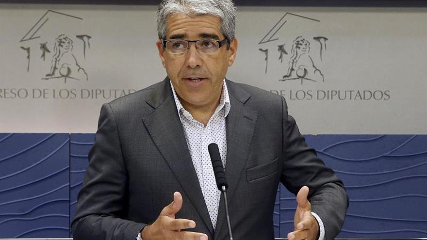 """Homs se emplaza a negociación discreta con ERC y ve tics """"chavistas"""" en C's"""