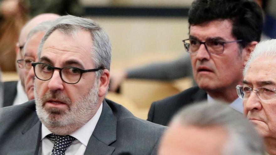 Los empresarios que han reconocido financiar al PP Vicente Cotino (i) y Enrique Gimeno (d), durante el juicio.