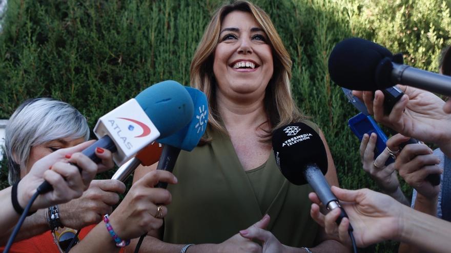 """Susana Díaz pide actuar con """"calma y en el marco de las leyes"""" y cree que Rajoy tendrá que dar explicaciones"""