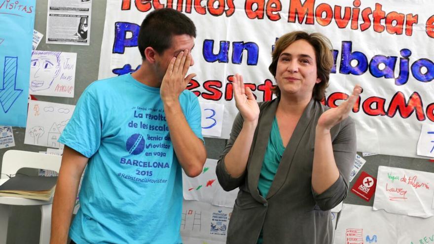 Ada Colau en la ocupació de la seu del Mobile World Center / ENRIC CATALÀ