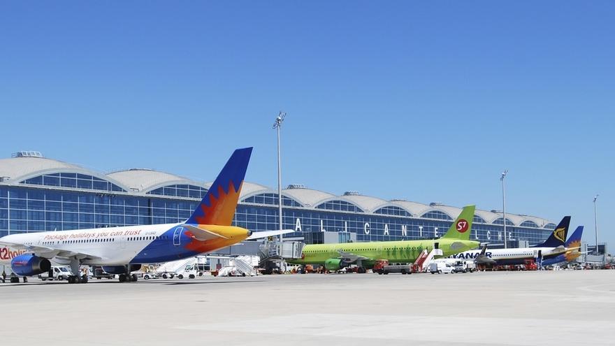 Podemos quiere que el Gobierno haga un informe de los aeropuertos para determinar los no rentables y darles otro uso