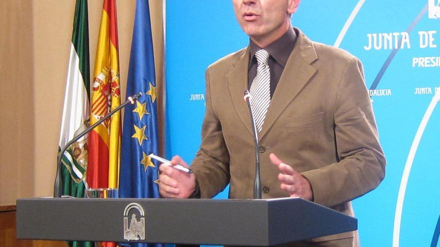 """Andalucía valora que Rajoy """"reconozca, aunque tarde, que hay que cambiar el paso"""" y apostar por el crecimiento económico"""