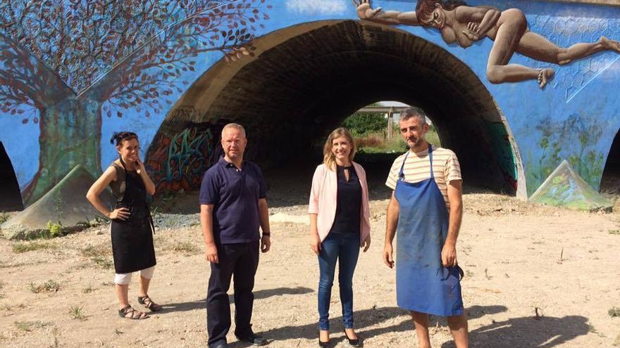 Restauración del mural `Pecado nuclear´ de Pepe Yagües en la Rambla de los Calderones, Molina de Segura