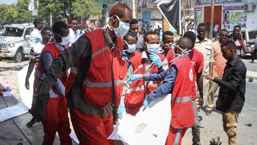 Al menos 7 muertos en un ataque con un coche bomba contra un hotel en Somalia