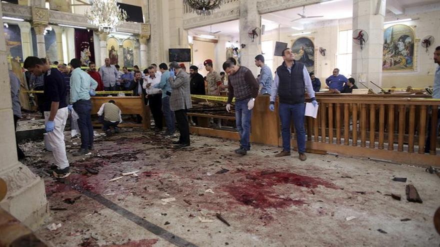 Ordenan prisión preventiva de 3 sospechosos de los atentados en iglesias egipcias