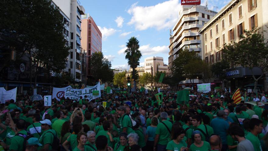 Se estima que decenas de miles de personas han participado en la protesta / J.M.