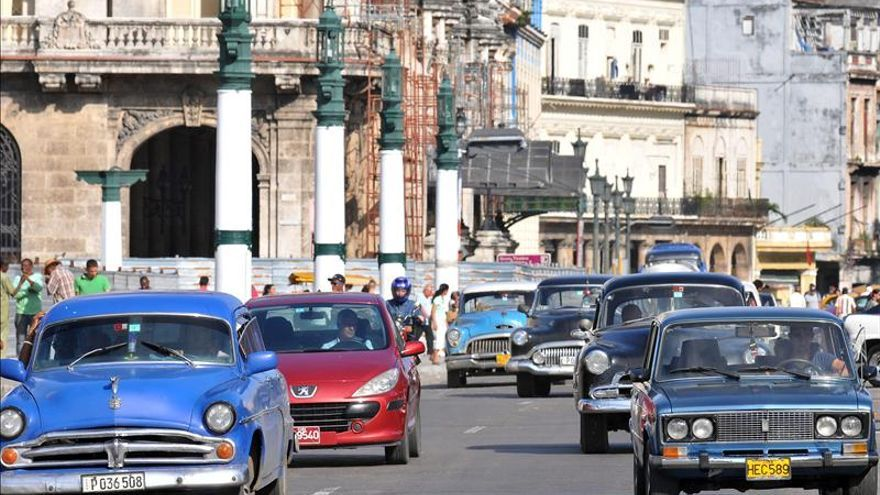 La venta minorista de vehículos en Cuba arranca con malestar por altos precios
