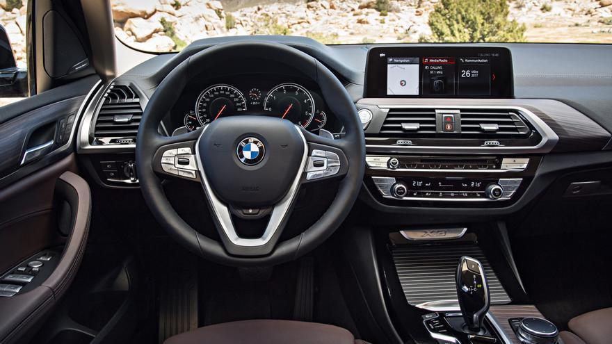 BMW mejora ostensiblemente el habitáculo del nuevo X3.