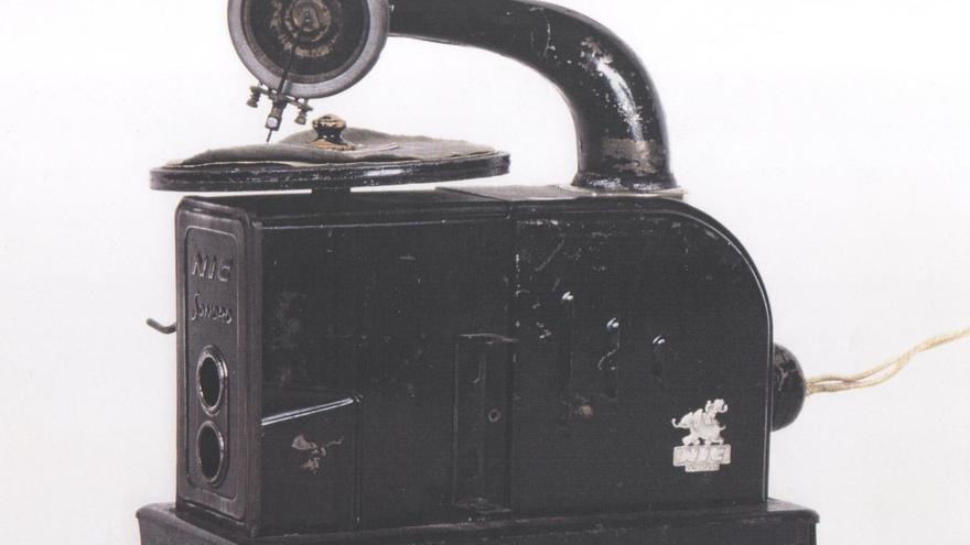 Un Cine NIC sonoro diseñado en metal del Museu del Cinema en Girona
