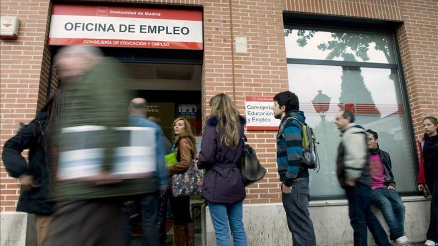 El paro sólo baja en Baleares y sube en el resto de CCAA, más en Navarra