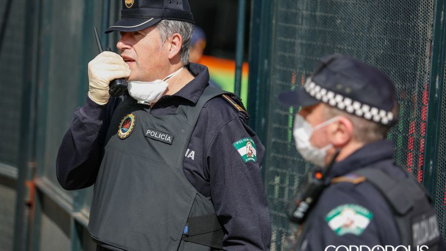 Agentes de la Policía Local de Córdoba | MADERO CUBERO
