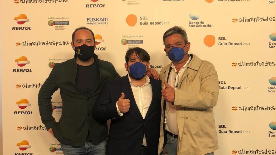 Samuel Moreno, José Manuel Gallego y Sánchez Beato antes de la gala
