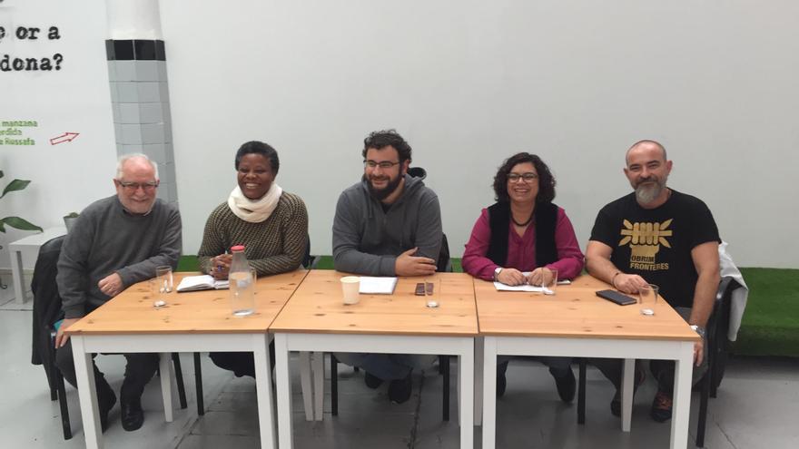 El concejal de Innovación, Berto Jaramillo (centro), presenta la candidatura Juntes Podem