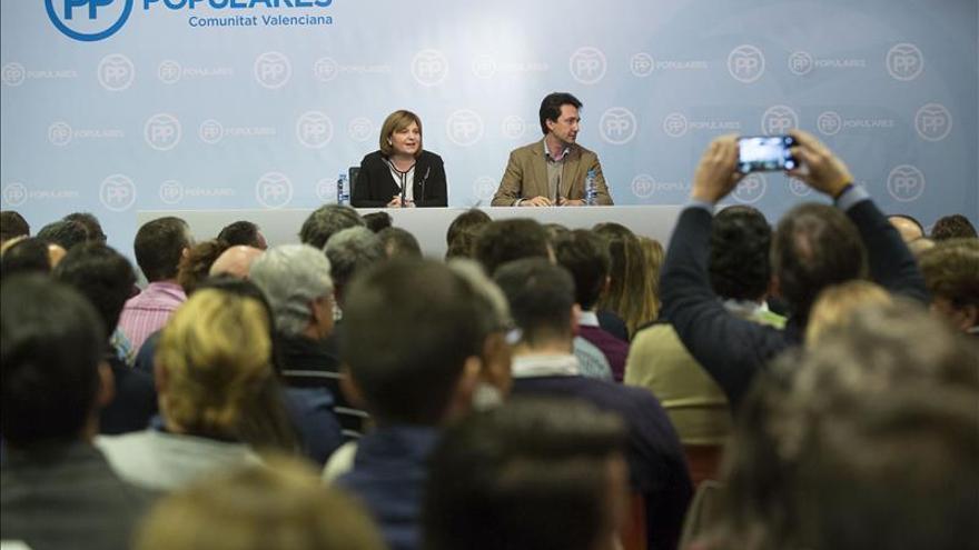 Isabel Bonig y Vicente Betoret, líderes del PP regional y provincial