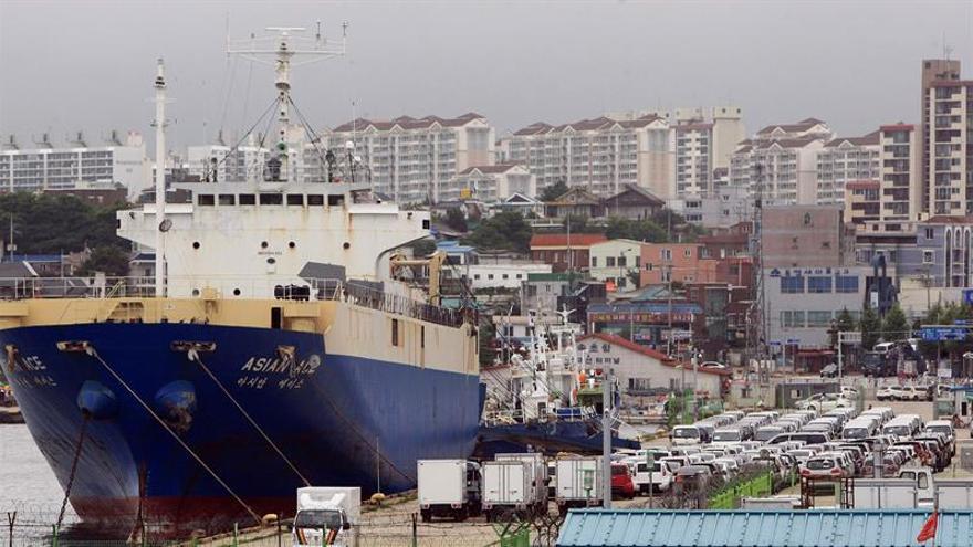 Corea del Sur reduce exportaciones pero logra superávit comercial en octubre