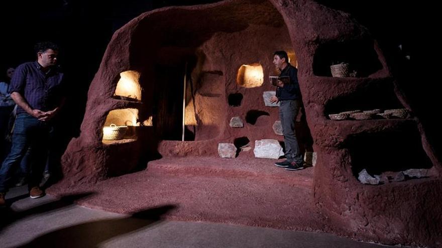 El Museo Elder presentó la exposición que recrea la vida de un poblado aborigen canario, 'El legado de Atindamana'