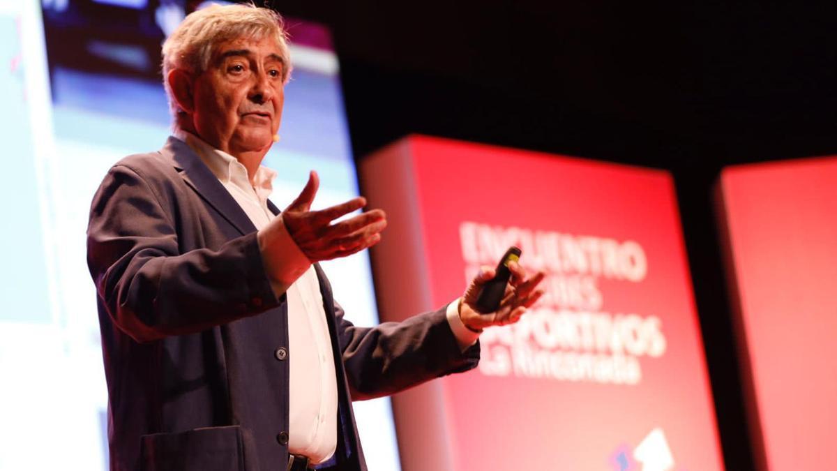 Jaenes, durante su charla en La Rinconada.