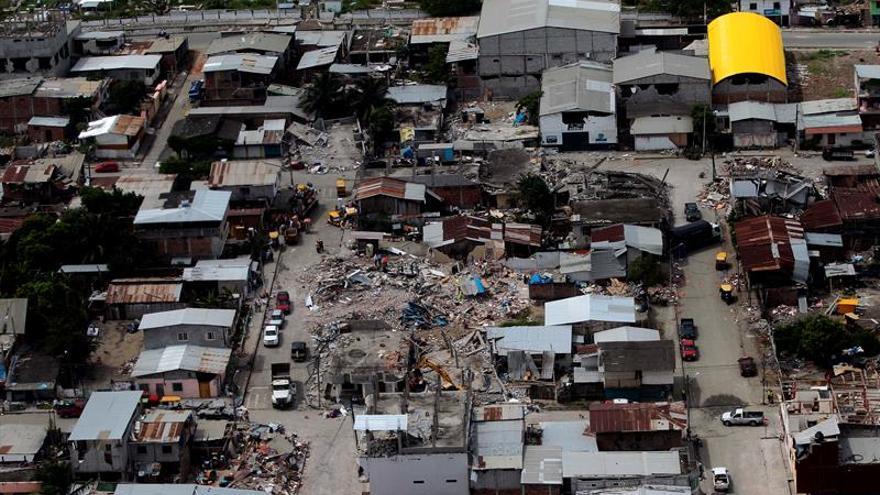 Dos fuertes seísmos sacuden Ecuador con epicentro en la zona del terremoto de abril