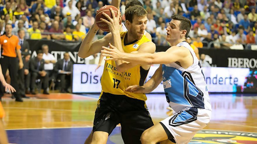 El jugador del Iberostar Tenerife, Fran Vázquez, se enfrenta a su exquipo, donde militó durante siete temporadas en tres distintas etapas.