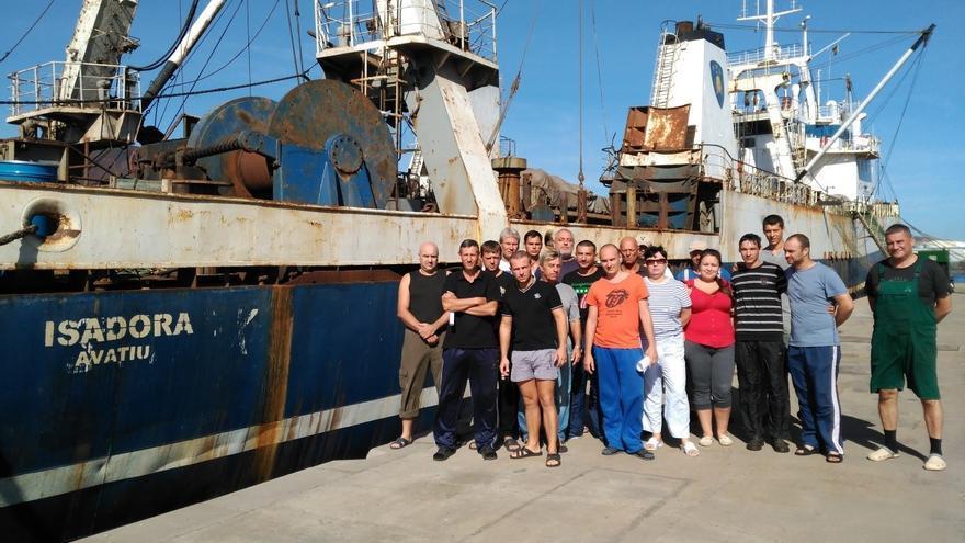 Una veintena de trabajadores del buque Isadora llevan seis meses sin cobrar.