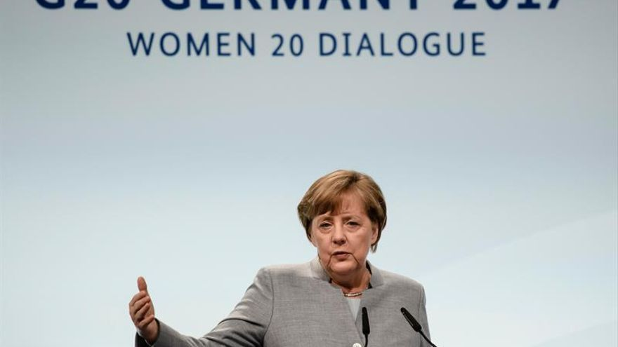 """Merkel apremia a homologar los estándares antiterroristas de los """"Länder"""""""