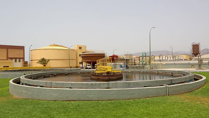 El consumo de agua en Canarias es más caro que el la península.(A.R.).