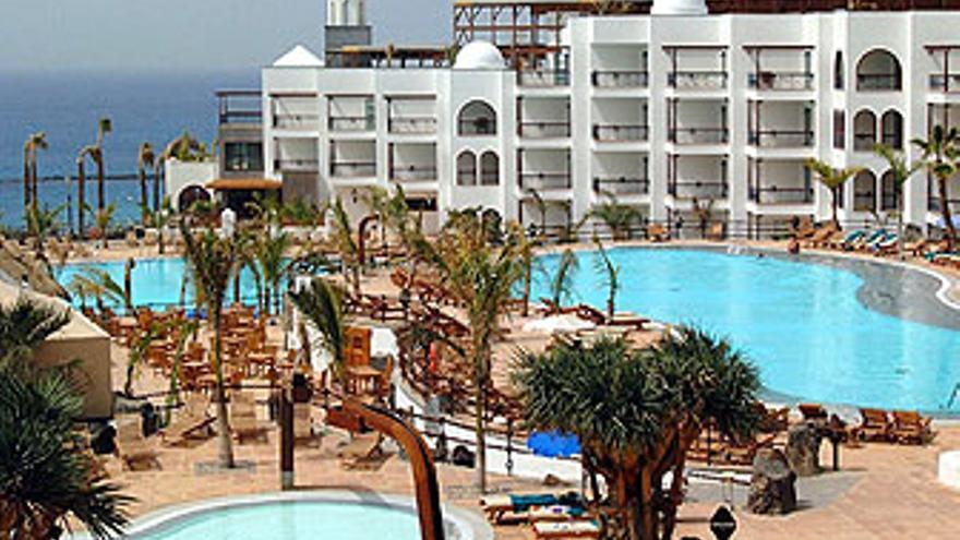 Hotel en Yaiza. (EFE)
