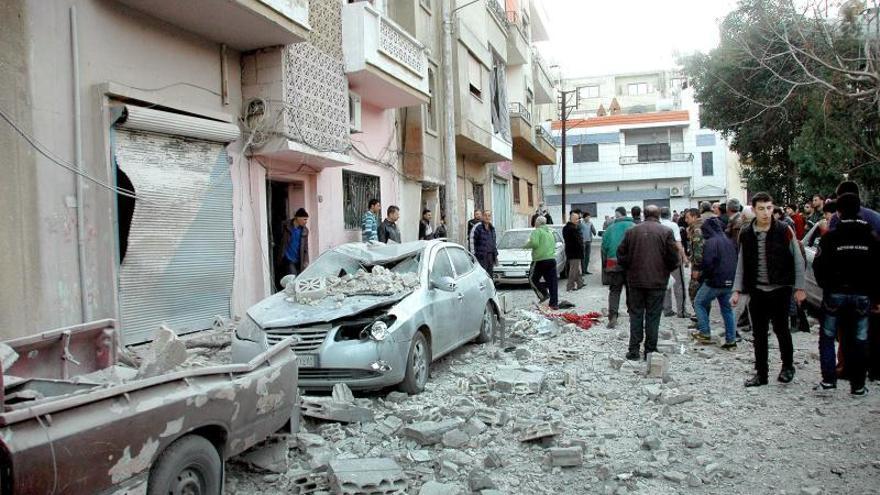 700 muertos en nueve días de combates entre yihadistas y rebeldes sirios