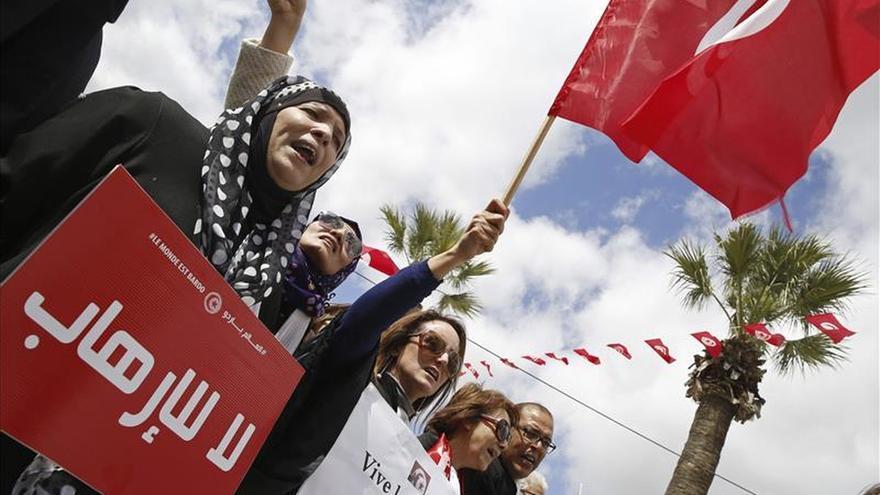 AI denuncia abusos policiales en Túnez en el marco de la lucha antiyihadista