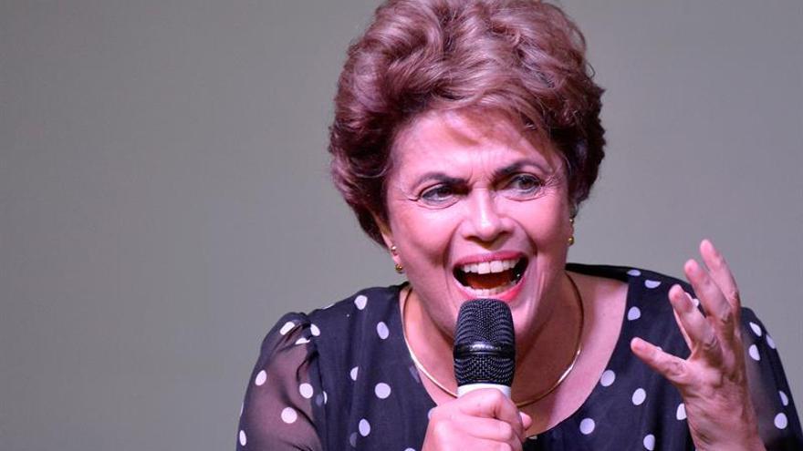 Recaudan 100.000 dólares en un día en campaña para pagarle los viajes a Rousseff