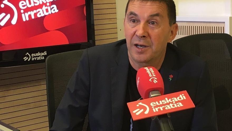 """Otegi dice que ahora en Batasuna se reconoce que es """"más eficaz"""" la vía pacífica y que Cataluña es la muestra"""
