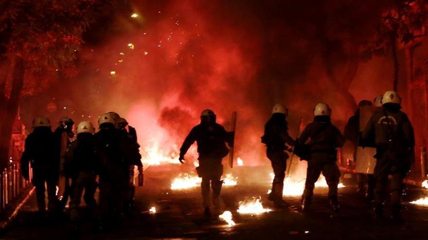 La manifestación en Atenas en recuerdo del joven Alexandros Grigorópulos acaba en disturbios
