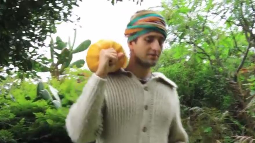 Una escena del vídeo 'Pastor: el héroe'.