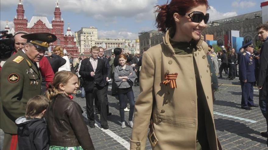 La exespía rusa Anna Chapman se pasa a la moda