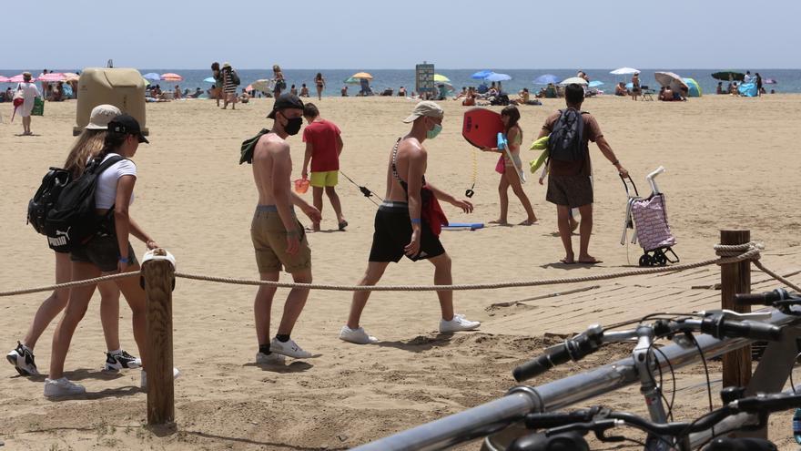 ¿A la playa?, sí, pero con mascarilla