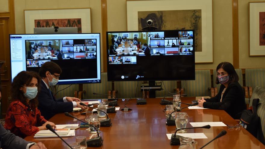 Sanidad aprueba el documento de medidas anti-COVID sin Madrid y Euskadi y aplaza la decisión sobre el toque de queda