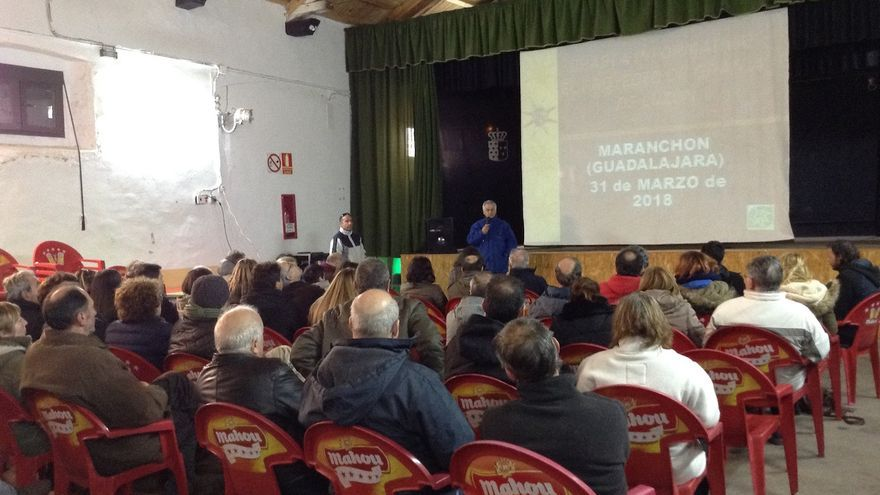 Charla informativa en Maranchón en la que participaron más de un centenar de vecinos de pueblos de la zona