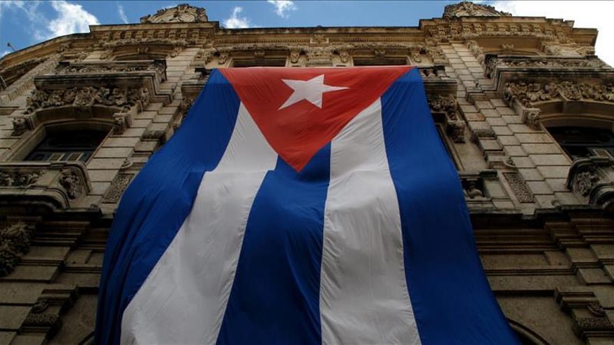 La tripulación de un vuelo de Cuba de Aviación deja a 300 viajeros en el aeropuerto de Irlanda