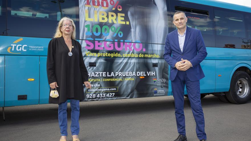 El Colectivo Gamá y Guaguas Global se unen por la campaña de detección precoz de VIH en Gran Canaria