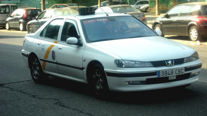 Taxi en la ciudad de Sevilla.
