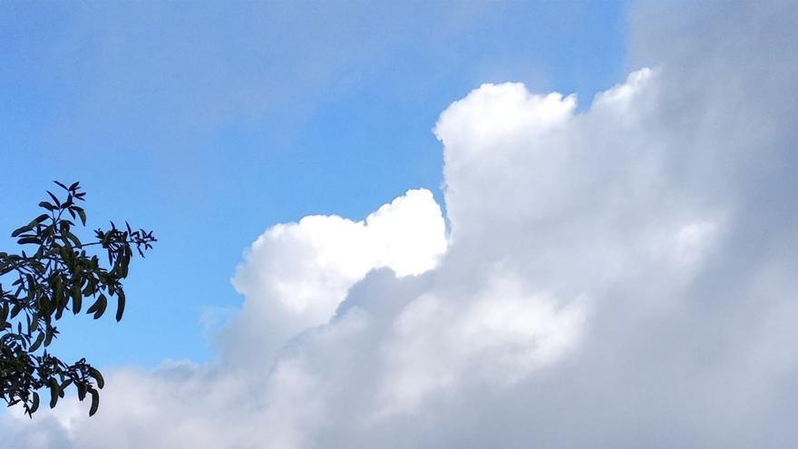 Imagen de nubes captada desde Villa de Mazo.