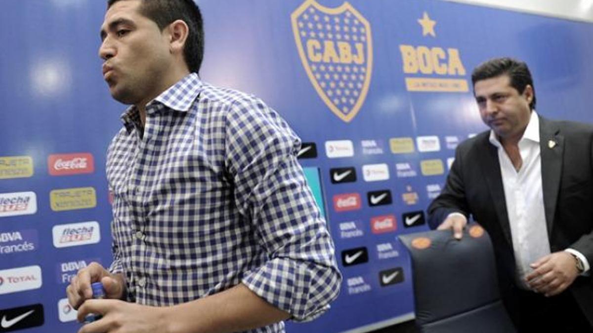 Daniel Angelici criticó con dureza a juan Román Riquelme como dirigente.