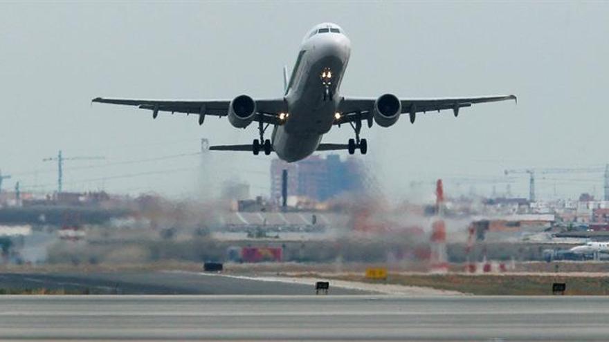 UGT: habrá huelga en los aeropuertos de Manises y Alicante si nombran un mediador